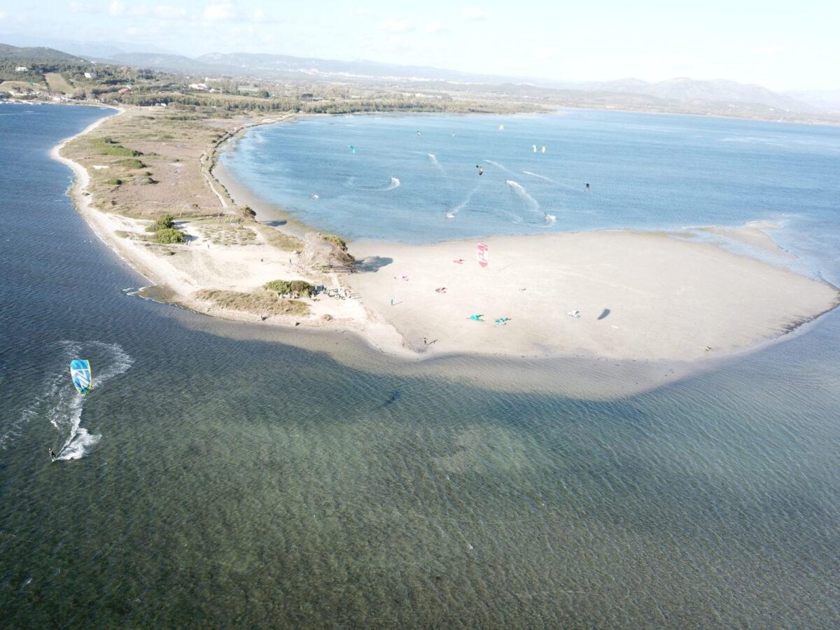 Punta Trettu Kitesurf Sardegna: il miglior Kite Spot con acqua piatta e bassa